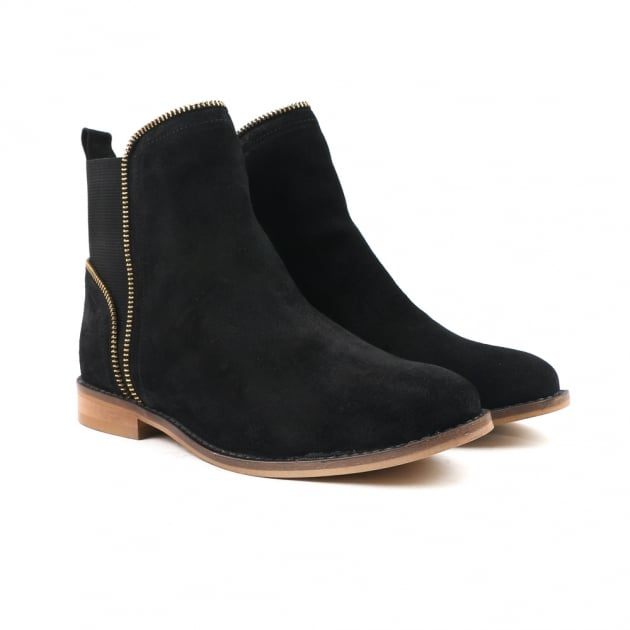 Carlton London Clara Black Chelsea Boots
