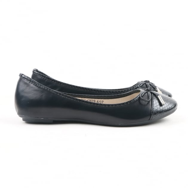 Carlton London Neerja Black Ballerina Shoes