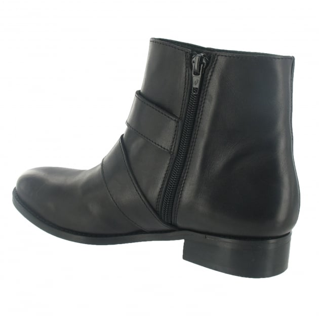 Marta Jonsson Ankle Boot With A Gold Buckle 1450L Black Boots