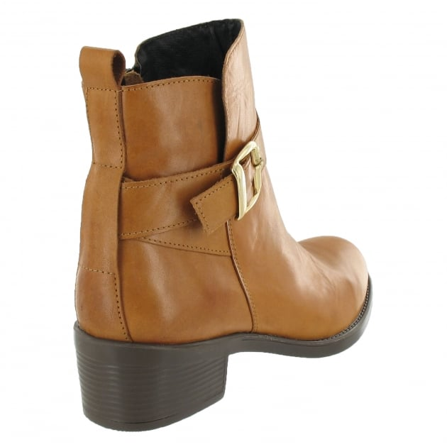 Marta Jonsson Ankle Boot With A Golden Buckle 3535L Tan Boots
