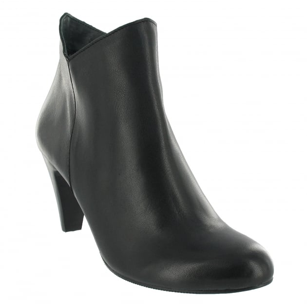 Marta Jonsson Leather Ankle Boot With A Zip 1134L