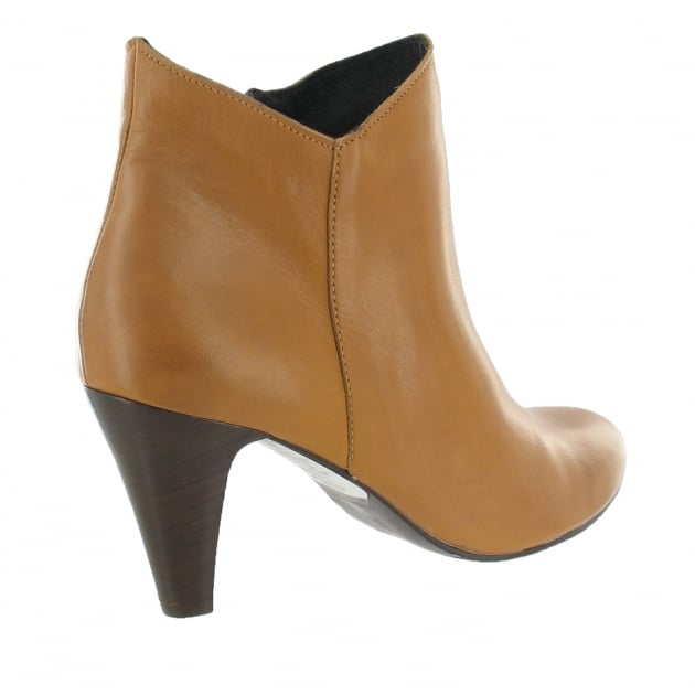Marta Jonsson Leather Ankle Boot With A Zip 1134L Tan Boots