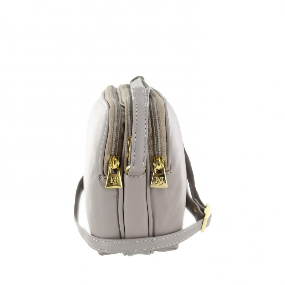 Shop Tignanello Women's Bags - Crossbody Bags at up to 70% off! Get the lowest price on your favorite brands at Poshmark. Poshmark makes shopping fun, affordable & easy!