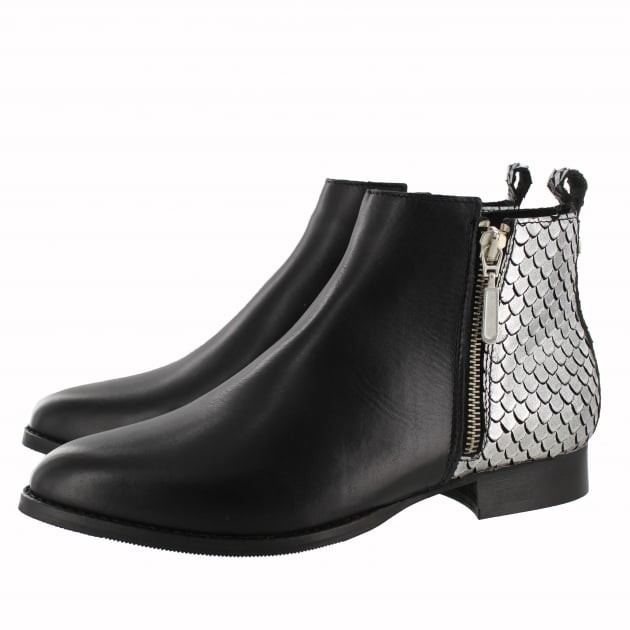 Womens Ankle Boot With Zip 1090L Silver