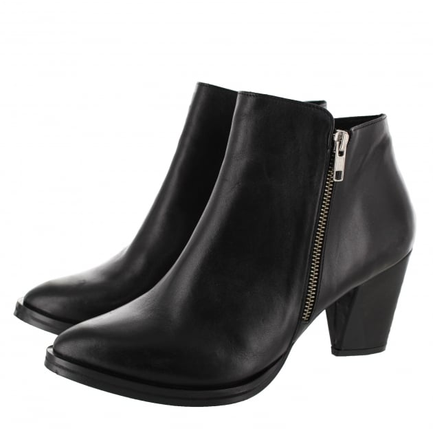 Marta Jonsson Womens Ankle Boot With Zip 6701L Black