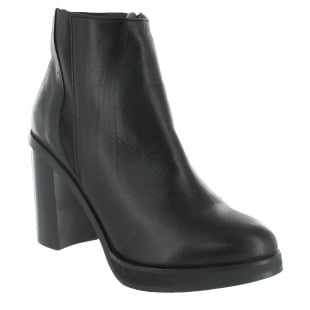 Marta Jonsson Ankle Boot With A Block Heel 3032L Black