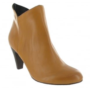 Marta Jonsson Leather Ankle Boot With A Zip 1134L Tan