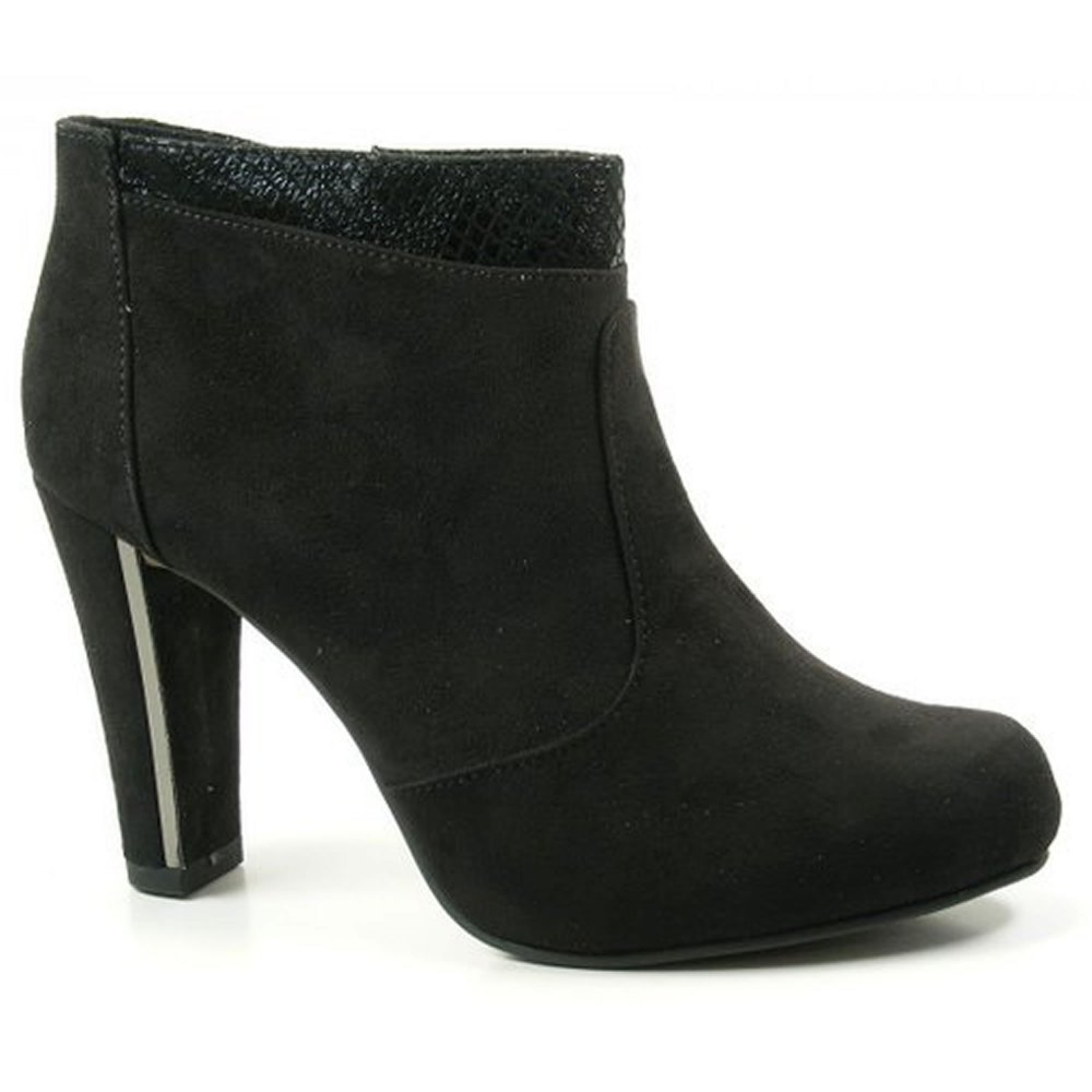 Sexy Black Netted Pointy Toe Thigh High Boots Faux Suede These boots are the perfect go to with a cute outfit for a night out with the girls! Featuring; faux suede, pointy toe, netted detailing on the sid.